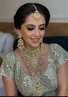 This Bride Donned An Ivory 'Lehenga' And Sported A Glittery-Smokey Eyes For Her Wedding Day