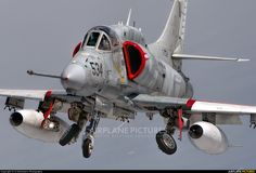 Discovery Air Defence Services McDonnell Douglas A-4 Skyhawk C-FGZH