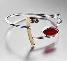Bracelet | Janis Kerman.  Sterling silver, 18k gold, carnelian and faceted onyx.