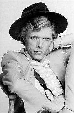 English singer, musician and actor David Bowie with dyed red hair and a mustard yellow suit photographed for a magazine in Los Angeles, circa David Bowie, Terry O Neill, New York City, The Thin White Duke, Black White, Major Tom, Young Americans, Ziggy Stardust, Portraits
