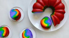 How to Make an Easy Rainbow Cake