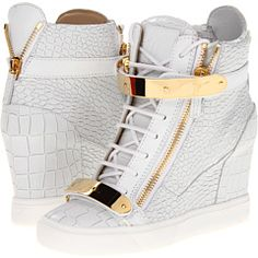 It's all about the details on this Giuseppe Zanotti sneaker wedge.I'm drooling!! I've these shoes..