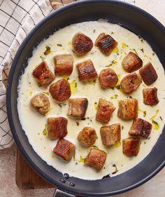 Alfredo csirke: a legfinomabb tejszínes tészta   Street Kitchen Coleslaw, Gnocchi, Sausage, Paleo, Cooking, Breakfast, Ethnic Recipes, Kitchen, Food