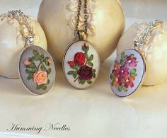 Wonderful Ribbon Embroidery Flowers by Hand Ideas. Enchanting Ribbon Embroidery Flowers by Hand Ideas. Learn Embroidery, Embroidery For Beginners, Embroidery Techniques, Ribbon Embroidery Tutorial, Silk Ribbon Embroidery, Ribbon Art, Ribbon Crafts, Embroidery Boutique, Embroidery Designs