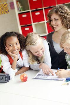 Die neue Lust am Lernen.So erhalten Kinder im Schulalltag effektive Unterstützung. Gemeinsames Lernen macht doppelt Spaß. Foto: djd/Studienkreis