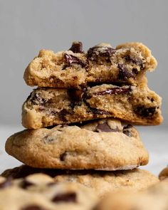 The Best Gluten-Free Soft Baked Chocolate Chip Cookies (Grain-Free) – Otto's Naturals Gourmet Recipes, Gluten Free Recipes, Whole Food Recipes, Cookie Recipes, Gf Recipes, Recipies, Cassava Flour Recipes, Paleo Flour, Gluten Free Chocolate Chip Cookies