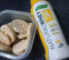 Hora do lache:  iogurte protéico natural whey sabor banana + biscoito de arroz😋😋😋. #sersaudavel#lanchinhosaudavel#emagrecer#dieta#dietasemsofrer#motivação#inspiração#saude#alimentacaosaudavel#desafios#projetosemantermagra#qualidadedevida#comida#comidadeverdade#bemestar#saude#emagreçacomendo#dieta#comeremuitobom#amocomer#verdecampo    By Alexandra