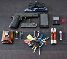What you should carry as Survival gear with you every day, your EDC gear . As I've been told many times, the best gear in the world is usele. Survival Life, Camping Survival, Survival Gear, What Is Edc, Get Home Bag, Edc Tactical, Tac Gear, Edc Everyday Carry, Bug Out Bag