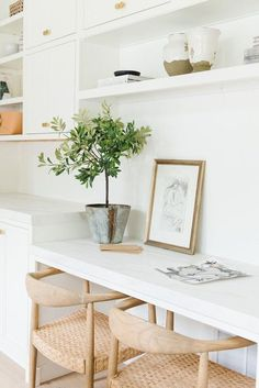 Modern coastal desk nook with two chairs. White cabinetry and marble counters feel fresh. Home Office Design, Home Office Decor, House Design, Office Ideas, Office Designs, Modern Office Decor, Studio Design, Office Style, Best Office