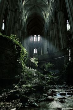Awesome abandoned church is awesome (Caen, France).