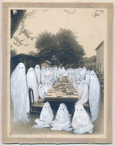 ghostphotographs:  Family Reunion