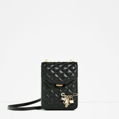 Discover the new ZARA collection online. The latest trends for Woman, Man, Kids and next season's ad campaigns. Messenger Backpack, White Backpack, Zara Bags, Things To Buy, Stuff To Buy, Satchel Handbags, Zara Women, Small Bags, Mini