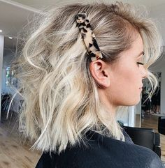 Perfect Blonde Balayage Olaplex Short Blonde Hair How To Style Chunky Hair Clips Icy Creamy Blonde Hair Colour Messy Hairstyles, Pretty Hairstyles, Natural Hairstyles, Short Hair Hairdos, Hairstyle Ideas, Side Part Hairstyles, Pulled Back Hairstyles, Baddie Hairstyles, Bridal Hairstyles