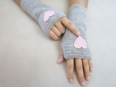 Heart Gloves Gloves Mittens Fingerless with pink by BloomedFlower, $25.00
