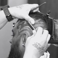 The Most Awesome Haircut Designs To Try In 2019 : The modern tonsorial fashion offers a bazillion of haircut designs for men. They allow you to upgrade any hairstyle, even the most formal one, to keep up with modern trends. Haircut Designs For Men, Hair Designs For Boys, Cool Hair Designs, Awesome Designs, Creative Haircuts, Cool Haircuts, Haircuts For Men, Hair Cutting Videos, Hair Cutting Techniques