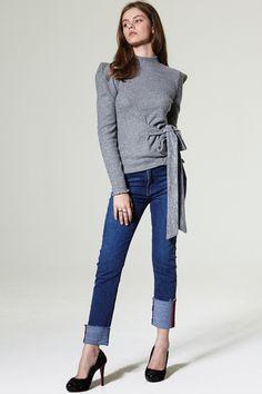Uella 2-way Denim Pants Discover the latest fashion trends online at storets.com #denim #casualdenim #classicdenim