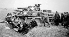 Bundesarchive Photos 1933 - all fields of WWII - Page 722 German Soldiers Ww2, German Army, I Take A Nap, Ww2 Pictures, Panzer Iv, Armored Fighting Vehicle, Ww2 Tanks, Armored Vehicles, Tanks