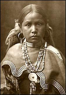 Jicarilla maiden, Apache, 1904.  Photo by Edward S. Curtis.