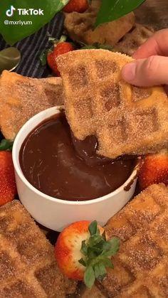 Fun Baking Recipes, Waffle Recipes, Sweet Recipes, Dessert Recipes, Cooking Recipes, Yummy Snacks, Yummy Food, Homemade Chocolate Sauce, Chocolate Recipes