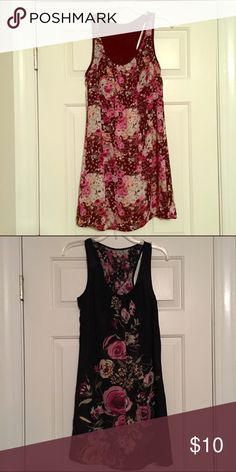 Reversible Floral Dress Super cute reversible dress with small pink floral pattern and larger pink flowers on black background - cute for date night! 2 dresses in one! Really flattering and nice material! Dresses Midi