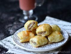 Puff Pastry Sausage Rolls | cookingwithcurls.com | #appetizer