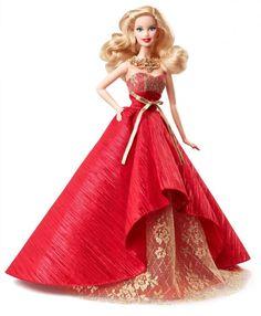 Pour les soirées de Gala comme les événements importants de l'année tels que Noël et le réveillon de St Sylvestre, Barbie sort les robes de haute couture.