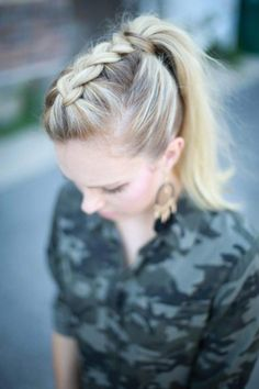 To: Easy Mohawk Dutch Braid Step-by-step instructions on how to easily achieve this adorable Mohawk Dutch Braid. Video Included Step-by-step instructions on how to easily achieve this adorable Mohawk Dutch Braid. French Braid Hairstyles, Box Braids Hairstyles, Hairstyle Ideas, Pretty Hairstyles, Easy Braided Hairstyles For Long, Hairstyle Braid, Step By Step Hairstyles, Braided Hairstyles Tutorials, Dreadlock Hairstyles