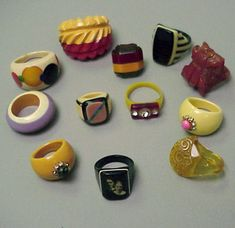 Miscellaneous Group of Bakelite and Celluloid Rings Approximately twelve pieces. Vintage Costume Jewelry, Vintage Costumes, Vintage Jewelry, Unique Jewelry, Vintage Outfits, Jewelery, Silver Jewellery, Plastic Jewelry, Vintage Rings