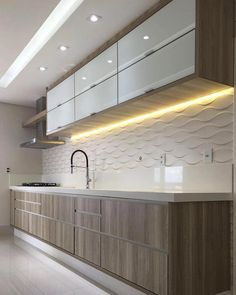cozinha com fecho toque; cozinha com cava; cozinha com puxador cava Modern Kitchen Interiors, Luxury Kitchen Design, Kitchen Room Design, Modern Kitchen Cabinets, Kitchen Cabinet Design, Kitchen Sets, Home Decor Kitchen, Interior Design Kitchen, Kitchen Furniture