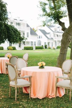 peach table linens | Katie Stoops