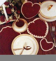 free crochet Valentine Table Set pattern - I love it!