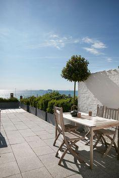 Ønsker du dig en indbydende og hyggeligt terrasse? Vi har besøgt 9 fantastiske hjem, der hver især har det skønneste uderum.