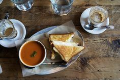 love this grilled cheese and tomato soup shot