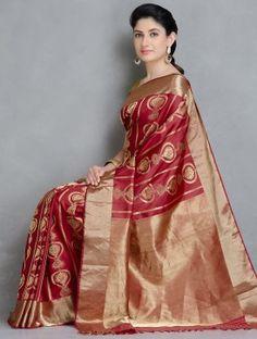 Gold Silk Saree, Silk Sarees, Banarsi Saree, Woman Clothing, Sarees Online, Silk Fabric, Hand Weaving, Fabrics, Sari