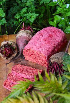 Pan de Betarraga | Cherrytomate Beets, Bakery, Recipies, Food, Drink, Country, Vegetable Bread, Chicken, Meals
