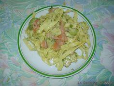Salade de pâtes au saumon fumé Grand Bazar, Spaghetti, Ethnic Recipes, Food, Al Dente, Pasta Salad, French Food, Salads, Eten