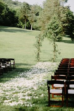Organic Minimalism at it's finest #cedarwoodweddings Organic Minimalism :: Caprice+Steve | Cedarwood Weddings