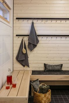 Pool Changing Rooms, Sauna Design, Finnish Sauna, Spa Rooms, Room Interior Design, Home Spa, Beautiful Bathrooms, Dressing Room, Cottage Style