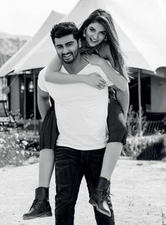 Arjun Kapoor, Shraddha Kapoor, Cute Celebrity Couples, Cute Couples, Picture Poses, Photo Poses, Picture Ideas, Bridal Photography, Photography Poses