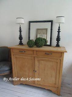 par www.atelierdes4saisons.com Ranger votre vaisselle dans un #Buffet #vintage en bois brut.