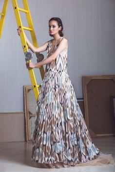 Lookbook: дизайнер Зульфия Султон одела Монако в икат. Фото №1