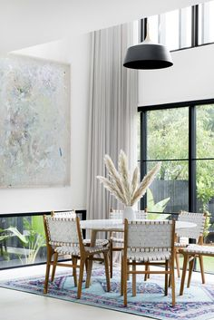 modern and clean dining room design ideas, white modern dining chairs Modern Interior, Home Interior Design, Bohemian Style Bedrooms, Dining Room Inspiration, House And Home Magazine, Dining Room Design, Dining Chairs, House Design, Home Decor