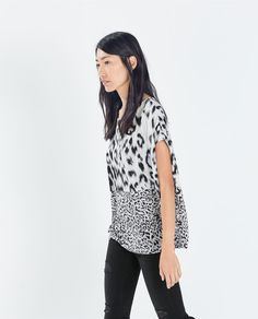 Image 2 of OVERSIZE PRINTED T-SHIRT from Zara