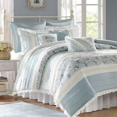 Refresh your master suite or guest room with this 180 thread count duvet set, showcasing a floral motif and ruffled accents for charming appeal....
