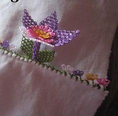 Menekşe Çiçeği Oyası Modelleri Canim Anne  http://www.canimanne.com/menekse-cicegi-oyasi-modelleri.html
