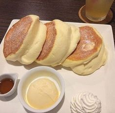 How To Make Fluffy Japanese Pancakes is part of Japanese pancake Find out how to make these Japanese Pancakes and where you can eat them - Japanese Fluffy Pancakes, Japanese Pancake, Japanese Diet, Breakfast Recipes, Dessert Recipes, Thermomix Desserts, Breakfast Ideas, Food Porn, Snacks Saludables