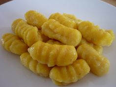 Domácí bezlepkové gnocchi Gnocchi, Side Recipes, Fruit Salad, Gluten Free Recipes, Macaroni And Cheese, Food And Drink, Veggies, Vegetarian, Pasta