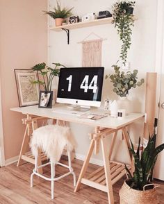 Friendly scheduled bohemian home decor gypsy Get the app Home Office Setup, Home Office Space, Home Office Design, Loft Design, Office Style, House Design, Workspace Inspiration, Room Inspiration, Study Room Decor