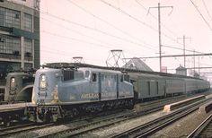 """Pennsylvania Railroad's one-of-a-kind """"American Railroads"""" commemorative GG-1 #4902 on the move!"""