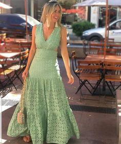Vintage GLORI Vanilla Creme Full Length Long Nylon Dress Slip 42 Bust Sz 40